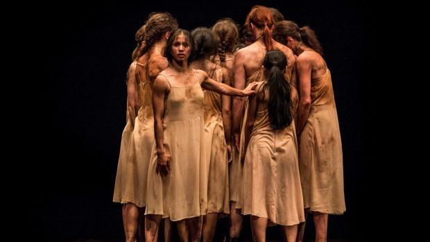 """Performance of the Pina Bausch piece """"Das Frühlingsopfer"""""""
